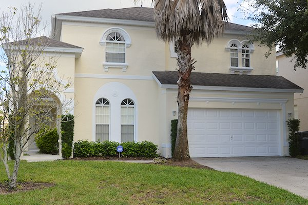 5 Bed Florida Villa sleeps 8. Private Pool & Spa. Wi-Fi. Games Room.