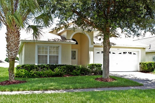 5 Bed Florida Villa sleeps 10. Private Pool & Spa. Wi-Fi. Games Room.