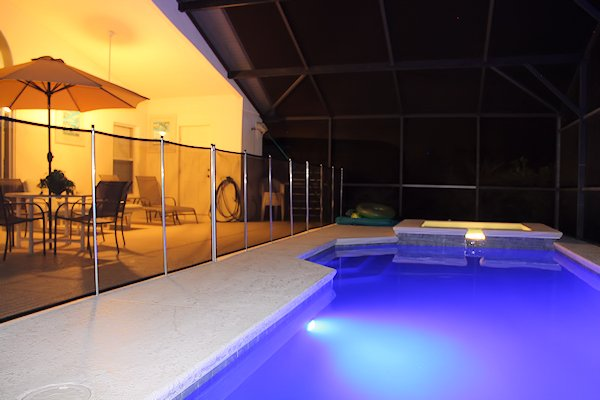 Colour changing LED pool light