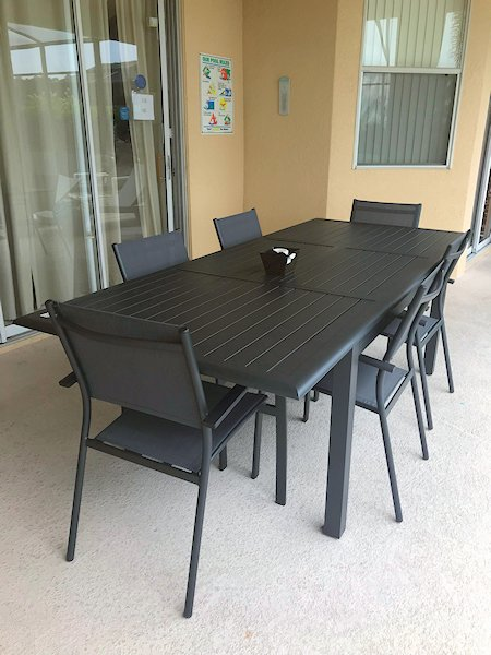 Large Dinning Area