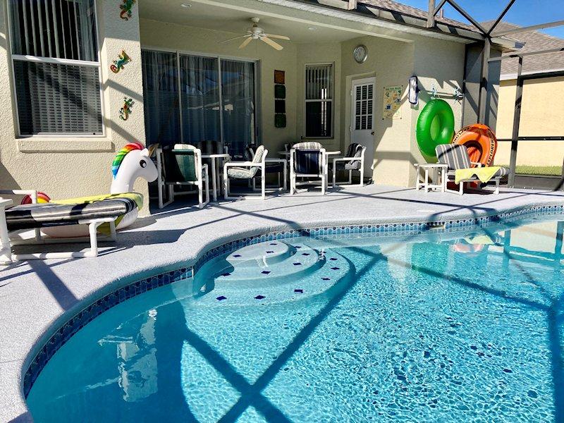 Pool and dining area, dine Al Fresco or just sunbathe